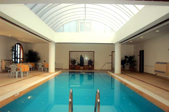 Indoor swimming pools news and life style for Interior swimming pool