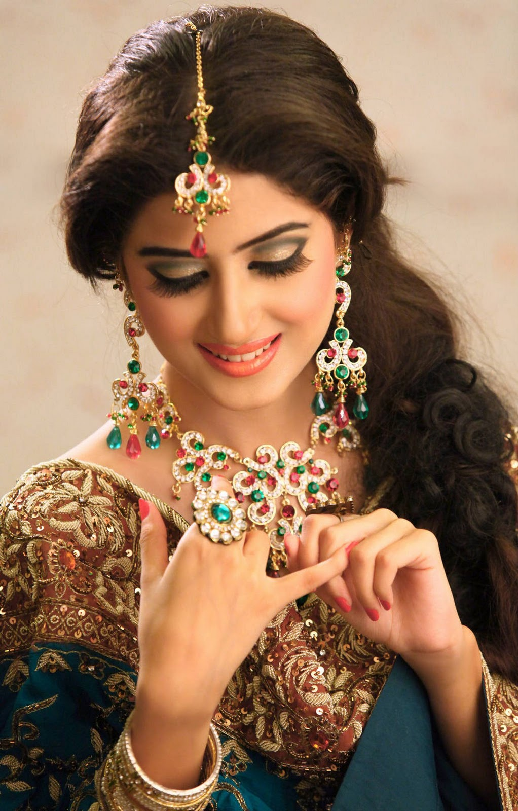 Stunning Pakistani Bridal Jewelry Designs 1022 x 1600 · 290 kB · jpeg