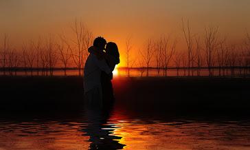 É preciso ter um olho aberto para encontrar o amor verdadeiro, mas ter os dois fechados para mantê-