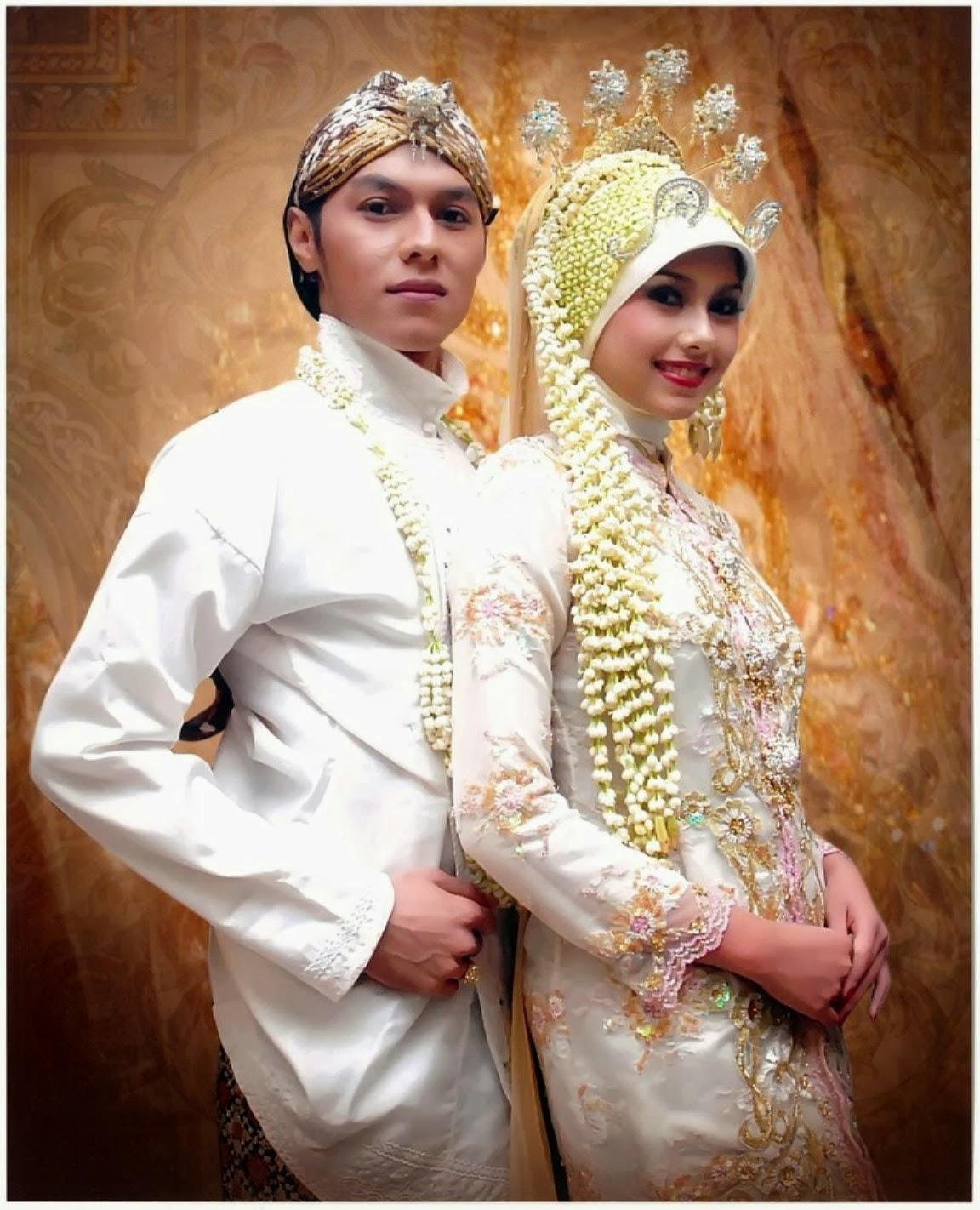 Kebaya pengantin muslim modern warna putih elegan