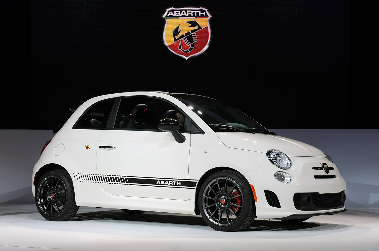 abarth blog black label 2013 fiat 500c abarth la 2012. Black Bedroom Furniture Sets. Home Design Ideas