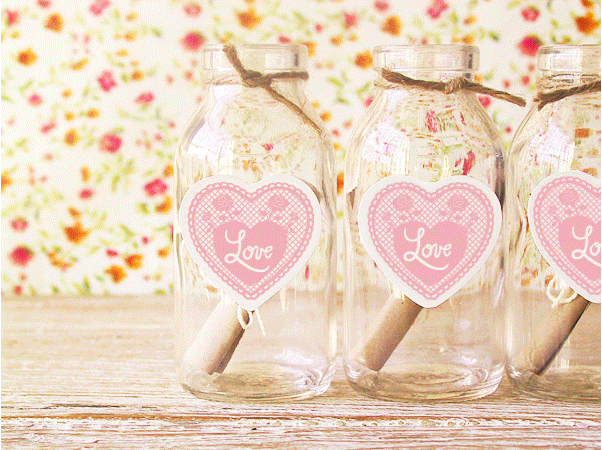 Lovely idea for a wedding favour: love notes!