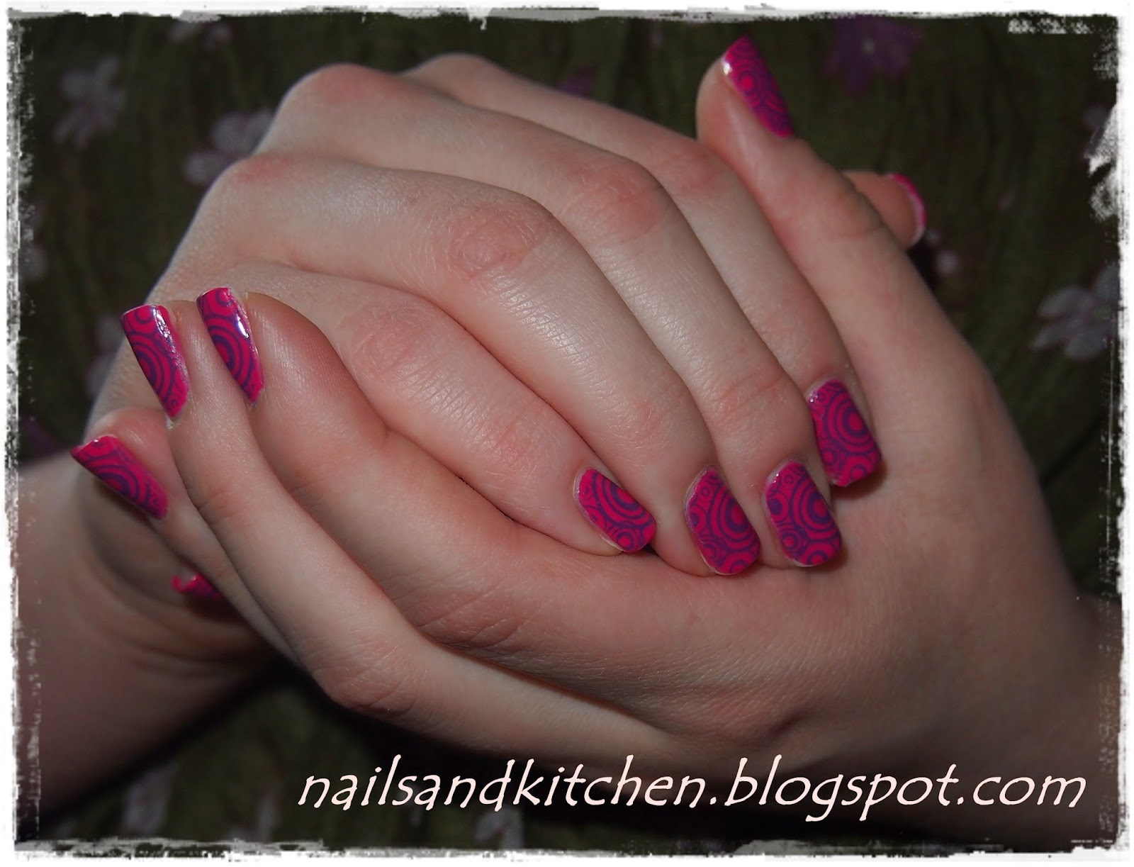http://nailsandkitchen.blogspot.com/2014/06/niespodziewane-polaczenie.html