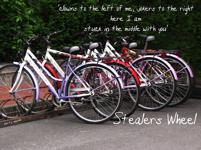 Stealers Wheel 'stuck in the middle with you'