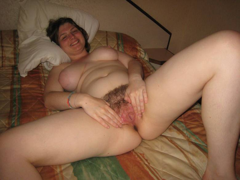 wild hot naked chick in bed