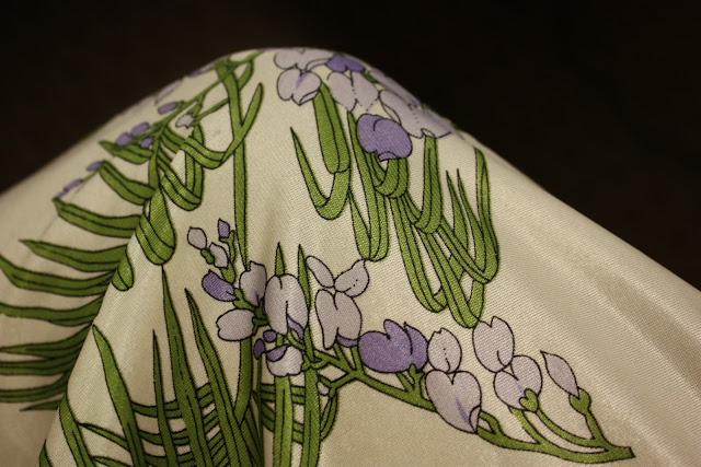 030 - Kimonos and Flowers....