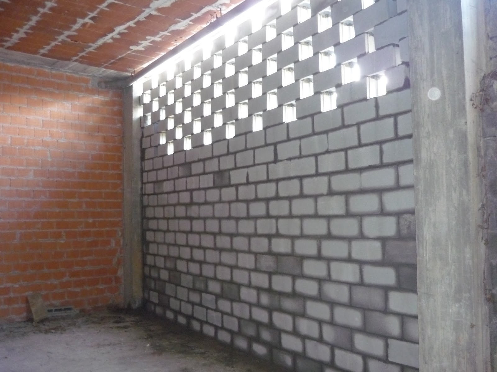 Muro de bloque de hormig n en oleiros a coru a sg - Precio ladrillo perforado ...
