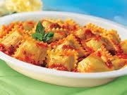 ravioli cu carne de vita si sos tomat