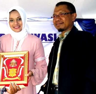 Duta LP3I Marissa Haque & Branch Manager LP3I Langsa, Aceh Timur, Bapak Zulkifli