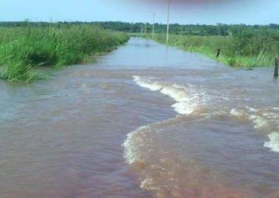 Aislamiento tras las lluvias en Paraguay