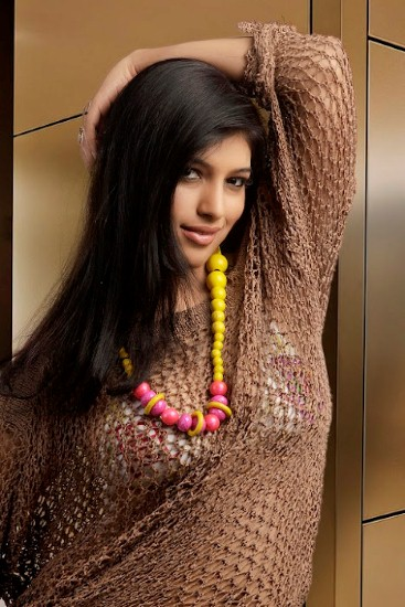 Divya Bhandari Hot Pics