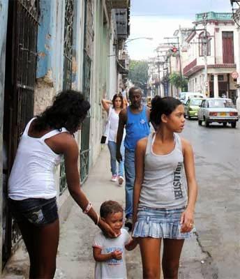prostitutas en puerto de la cruz prostitutas maduras granada