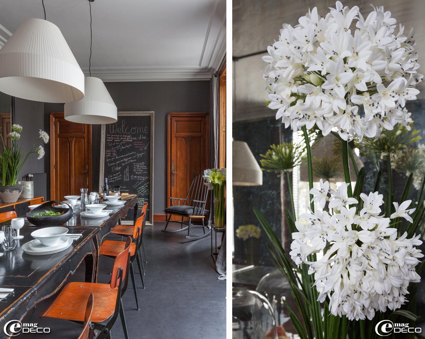 La salle à manger de la maison d'hôtes 'La Villa 1901', bouquet d'agapanthes en tissu 'Silk-Ka'