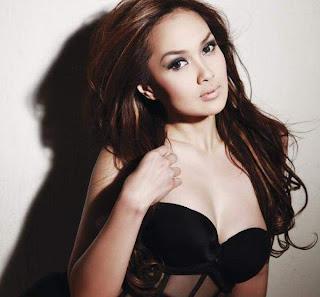 Foto dan Biodata Sarah Wijayanto Model FHM