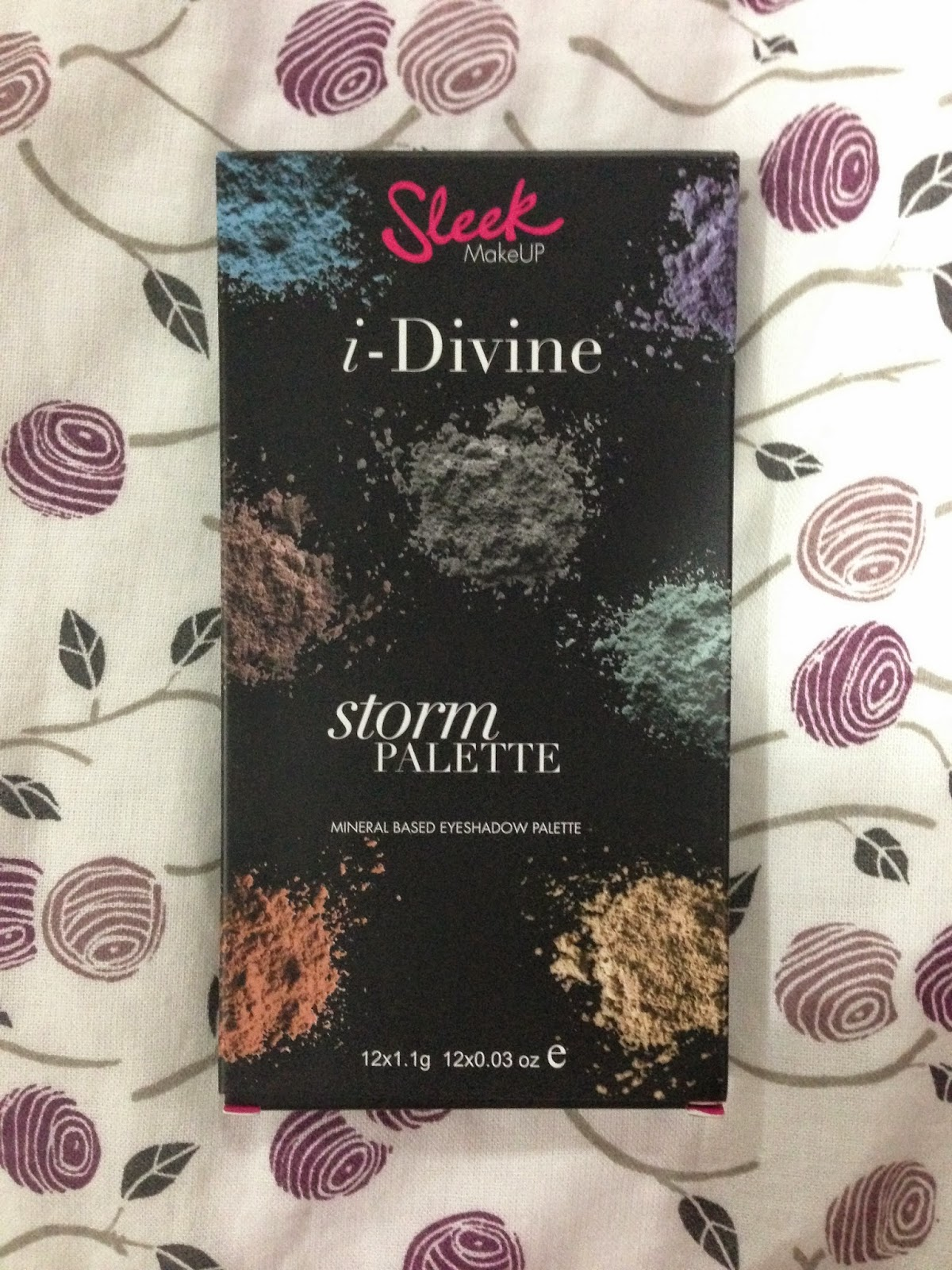 Sleek i-Divine Eyeshadow Palette: Storm
