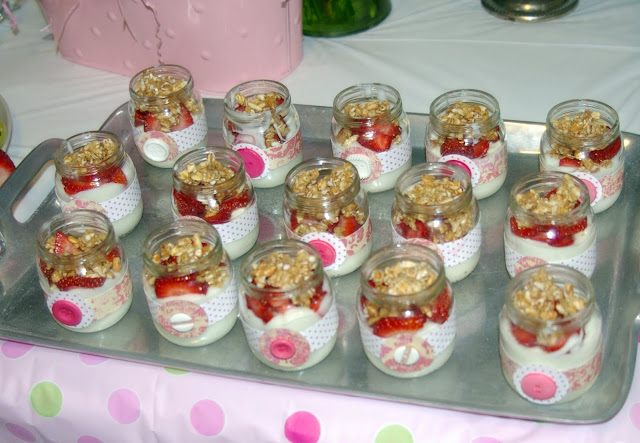 reusing baby food jars to serve food at shower