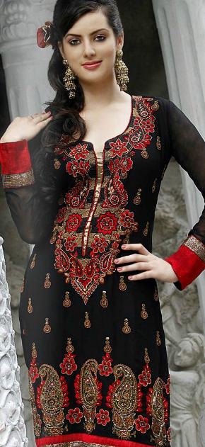 Model wearing Indian &amp; Pakistani Salwar Kameez Suite Designs of 2012