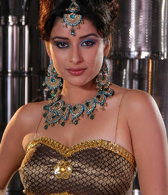 Madhurima Bnerjee Cute Photos