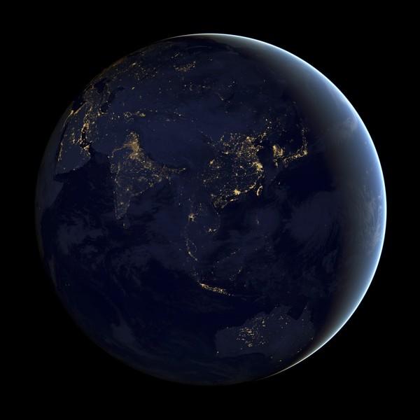 PENTADBIRAN Aeronautik Dan Angkasa Lepas Kebangsaan kelmarin menyiarkan imej waktu malam di benua Asia dan Australia.