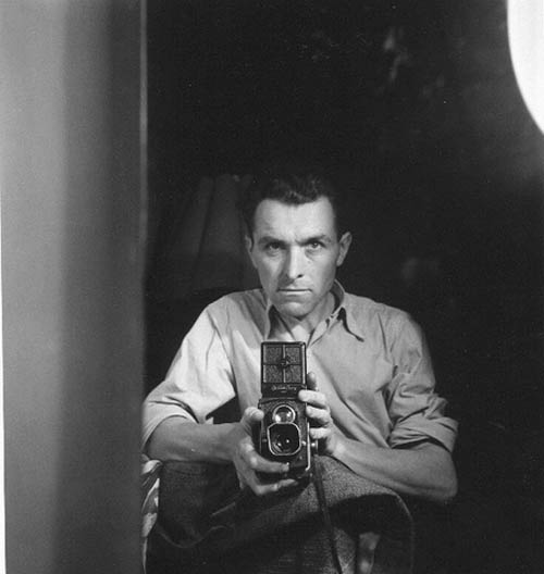 Auto-retratos ao espelho de fotógrafos famosos - Robert Doisneau