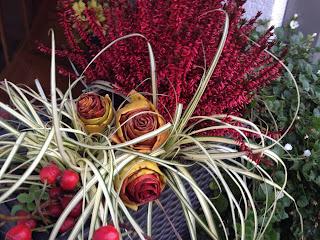 Blumenkasten Deko-Rosen