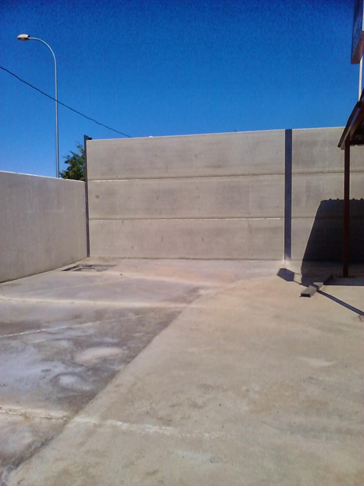 Cerramiento de una parcela muro hecho con piedra alveolar - Cerramientos de piedra ...