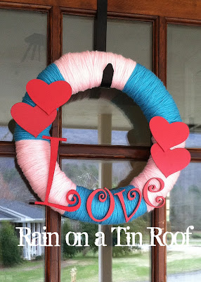 DIY Valentine's Day Wreath {rainonatinroof.com} #wreath #valentine #DIY