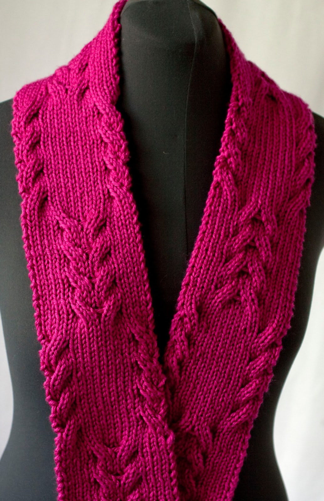 Knitting Pattern For Reversible Cable Scarf : Cascade Yarns Blog: Reversible Cabled Scarf - 220 Superwash Aran