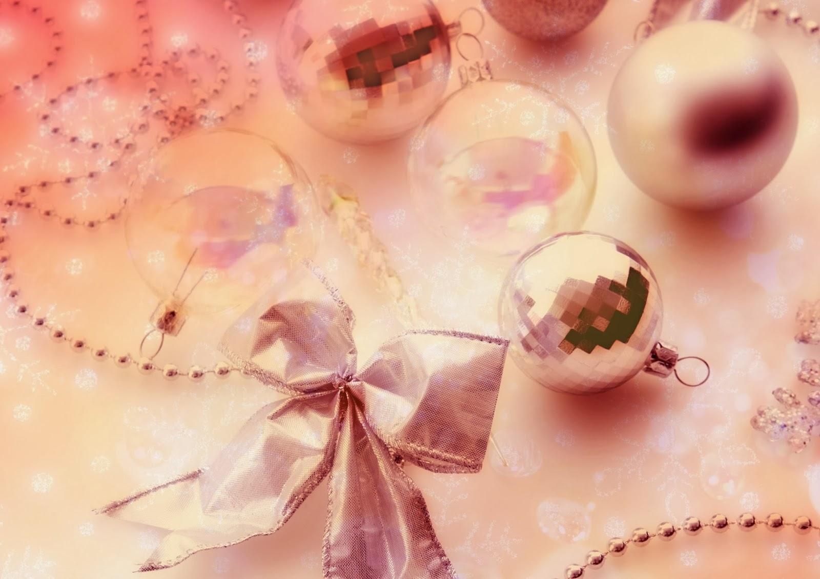 три шарика для нового года