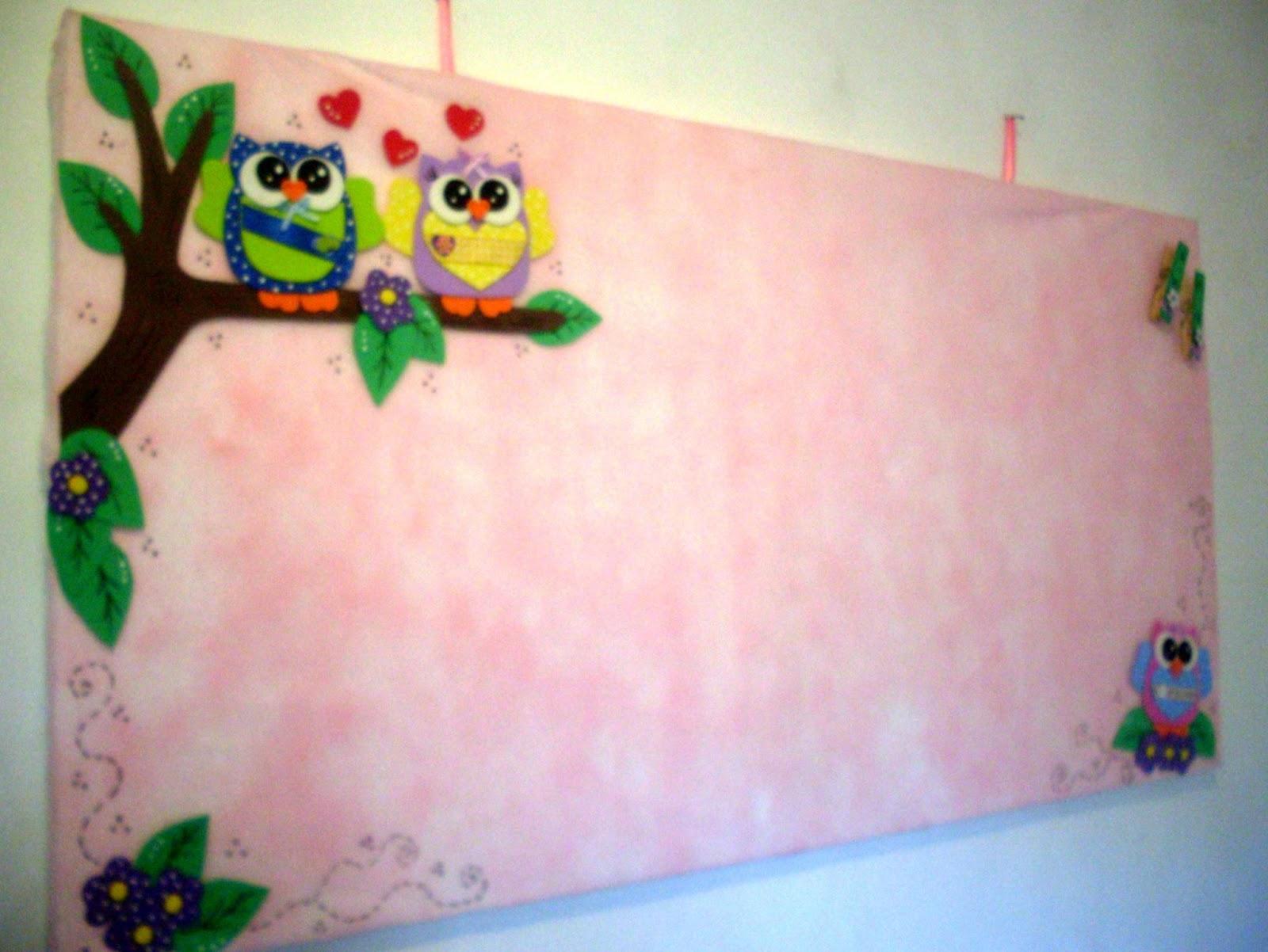 Mural de fotos e recadinhos corujinhas for Mural de isopor e eva