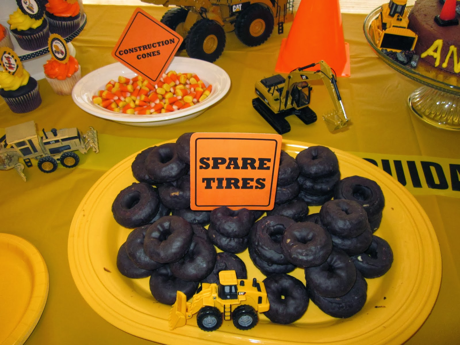 The malnar family drew dozer 39 s construction party the for Construction cuisine