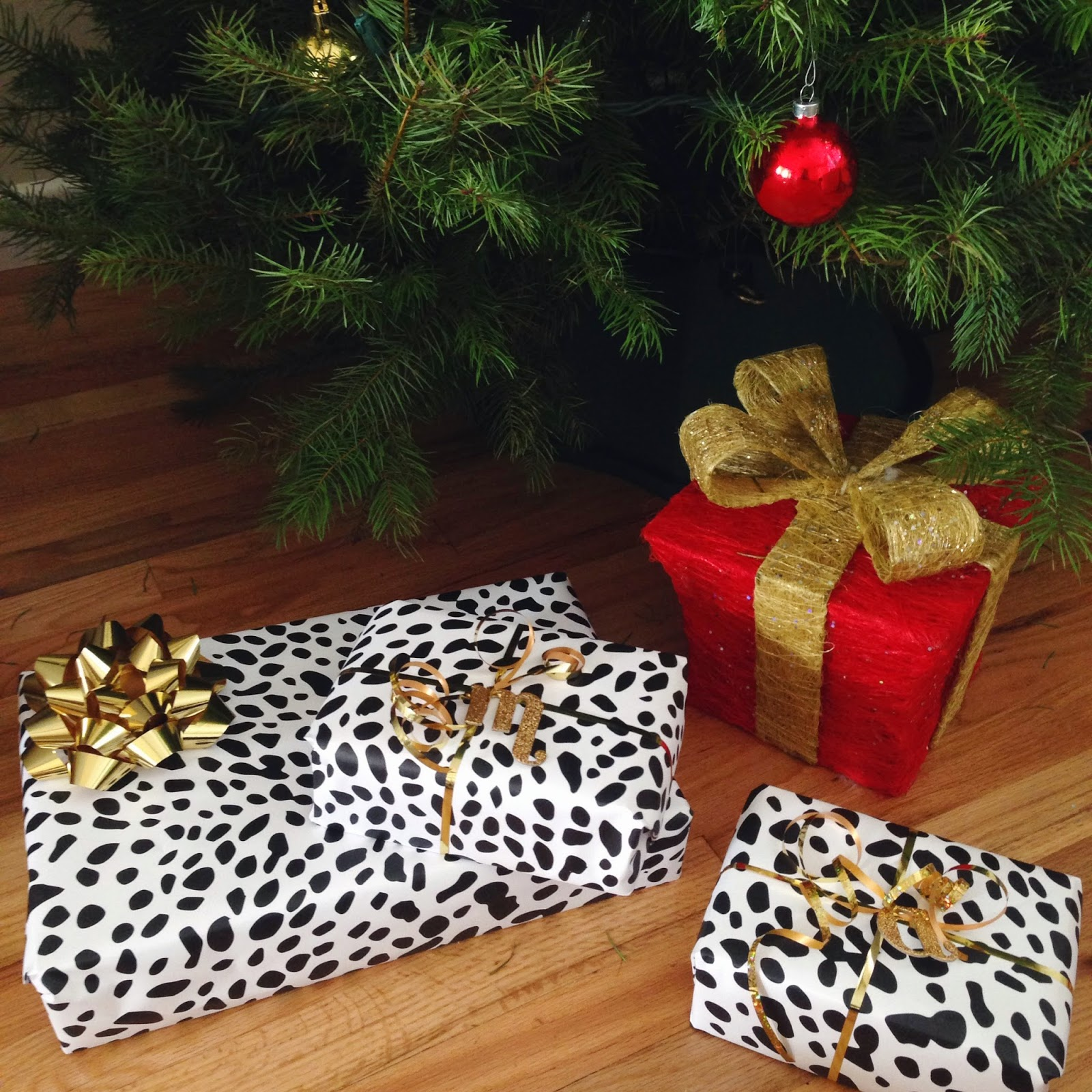 leopard gift wrapping, last minute gifts, holiday, christmas
