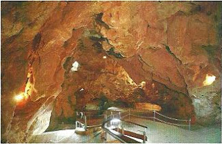 Sala de la Vírgen -Cueva del Tesoro- llamada así porque fué descubierta por Laza Palacio el día de la virgen del Pilar