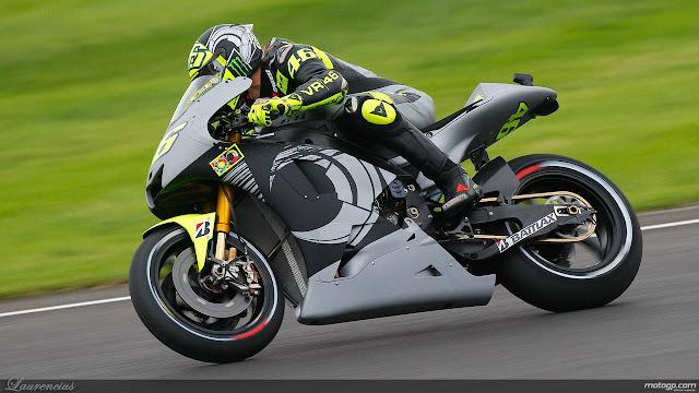 Foto-Yamaha-YZR-M1-Valentino-Rossi