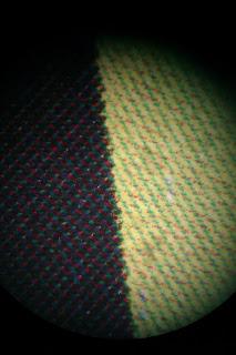 Analisis lineatura y angulo angulacion de trama estocastica vista con microscopio lente de gran aumento x70 x100 portada libro Cuentos con Mucho cuento Ima Gallimo