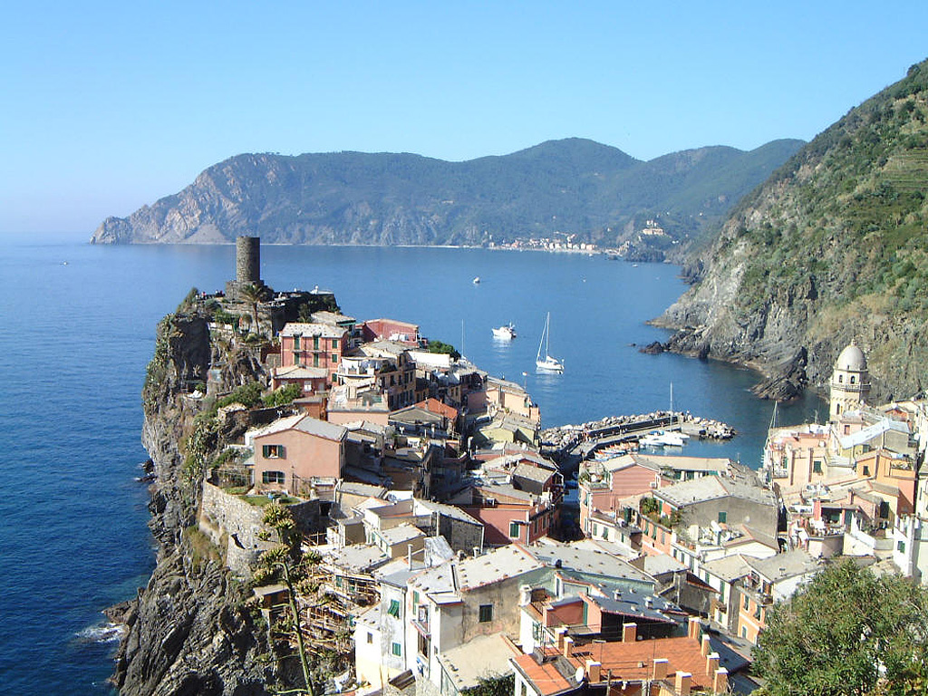 http://4.bp.blogspot.com/-0R04D4iT9eM/TwKasrwm9wI/AAAAAAAAA64/eGTklVTUcCc/s1600/Italy-Beauty+of+the+World-Wallpaper-Cinque_Terre%252C_Italy.jpg