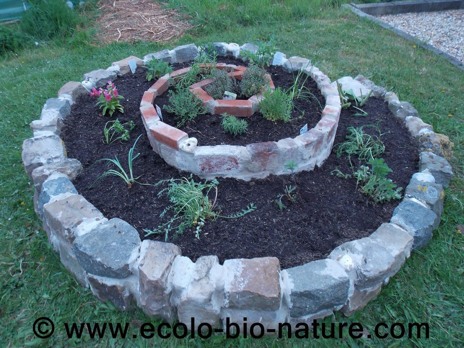 Ecolo Bio Nature Permaculture Urbaine Et Jardinage Bio La Spirale D 39 Aromatiques Est Termin E