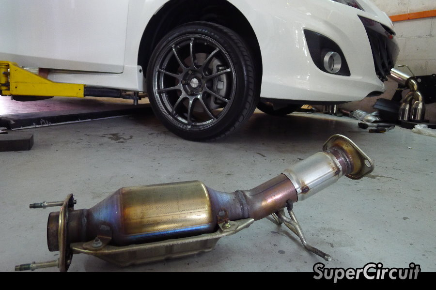 Supercircuit exhaust pro shop mazda3 mps cat delete see the huge catalytic converter which blocked the exhaust flow sciox Images