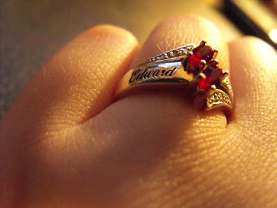 the information about what does a promise ring ring