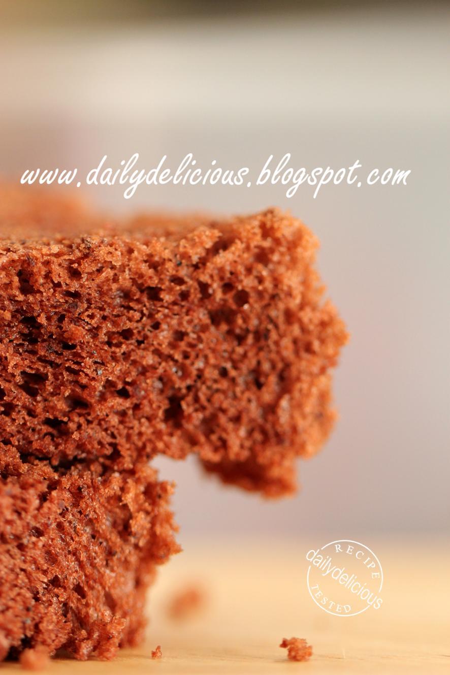 dailydelicious: Basic Chocolate Chiffon Cake