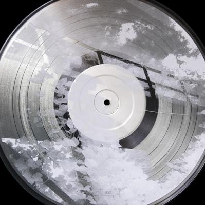 http://www.the-drone.com/magazine/le-mythique-label-table-of-the-elements-s-est-cr%C3%A9%C3%A9-un-soundcloud/
