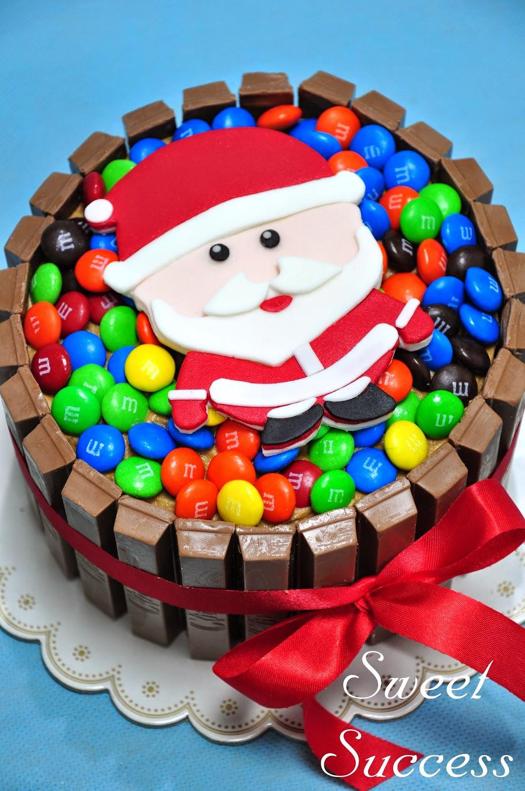 Sweet Success\' Sweet Life: Christmas KitKat and M&M Cake