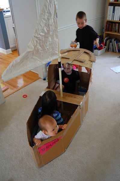 Как сделать большую коробку детям