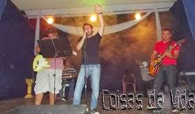 """Um """"puta"""" show de rock contagiou a juventude no Centro Cultural."""