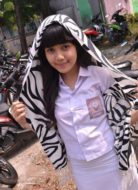 Indonesian High School Girl
