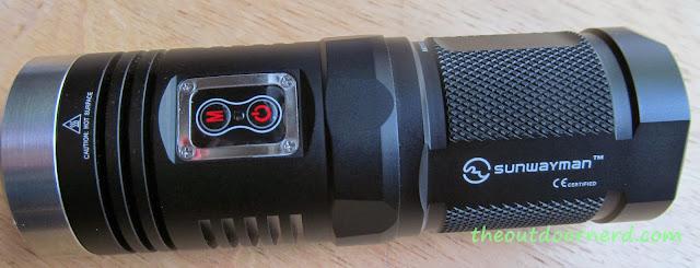 Sunwayman D40A [4xAA Flashlight] - Top View
