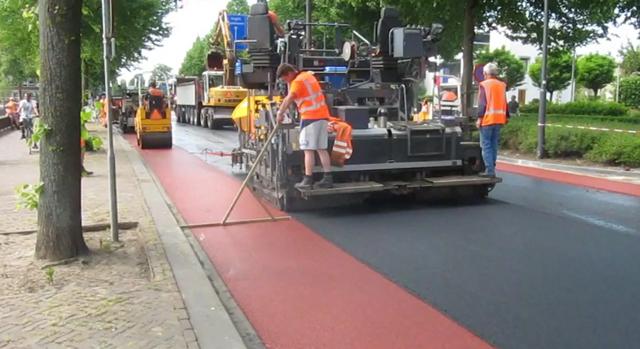 Vídeo mostra a construção de ciclo faixas na Holanda