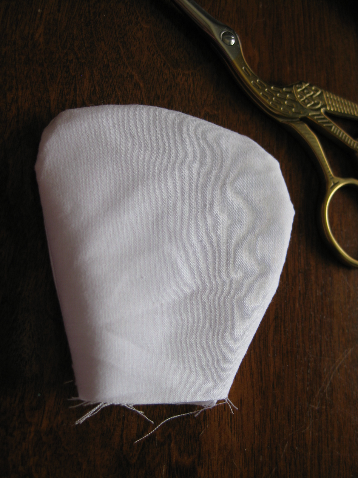 http://4.bp.blogspot.com/-0SGPkdm93Zc/T2Og2u_v_4I/AAAAAAAAAJk/YMe-DV1fOZM/s1600/Layered+Petal+Pillow+Tutorial+004.JPG