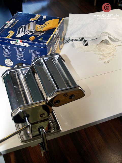 Jak zrobić domowy makaron?
