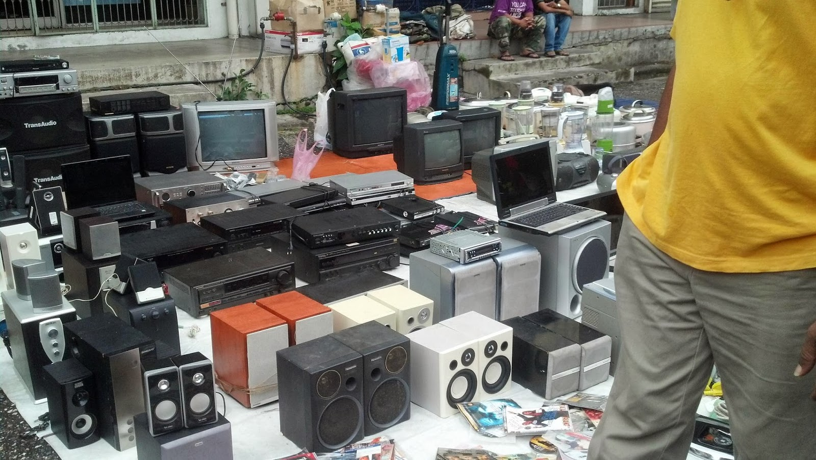 old radio, memory lane ipoh malaysia